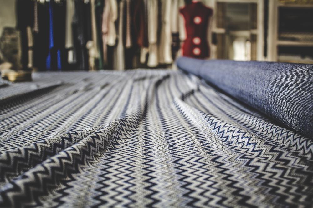 Malìa, una linea di abbigliamento artigianale ecosostenibile italiana,per il benessere del corpo e dell'ambiente. Design chic, per unire glamour e qualità dei tessuti, creando un guardaroba polivalente e dallo stile ricercato. Made in Calabria.